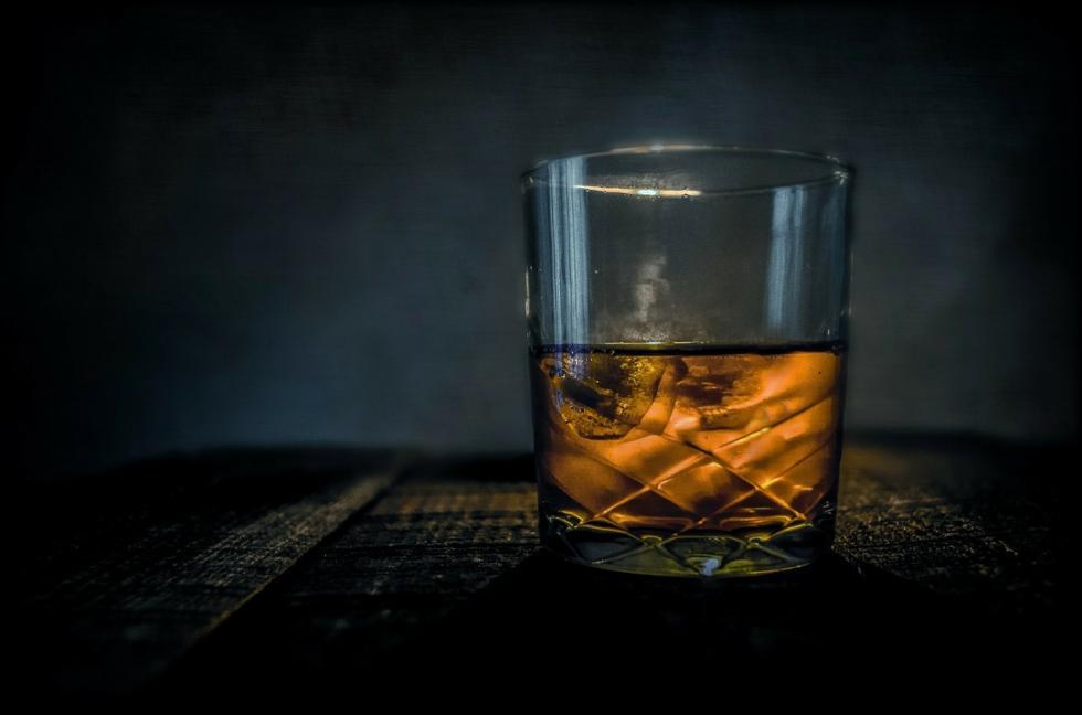 """Rodzaje whisky, czyli jak się robi """"rudą na myszach""""?"""