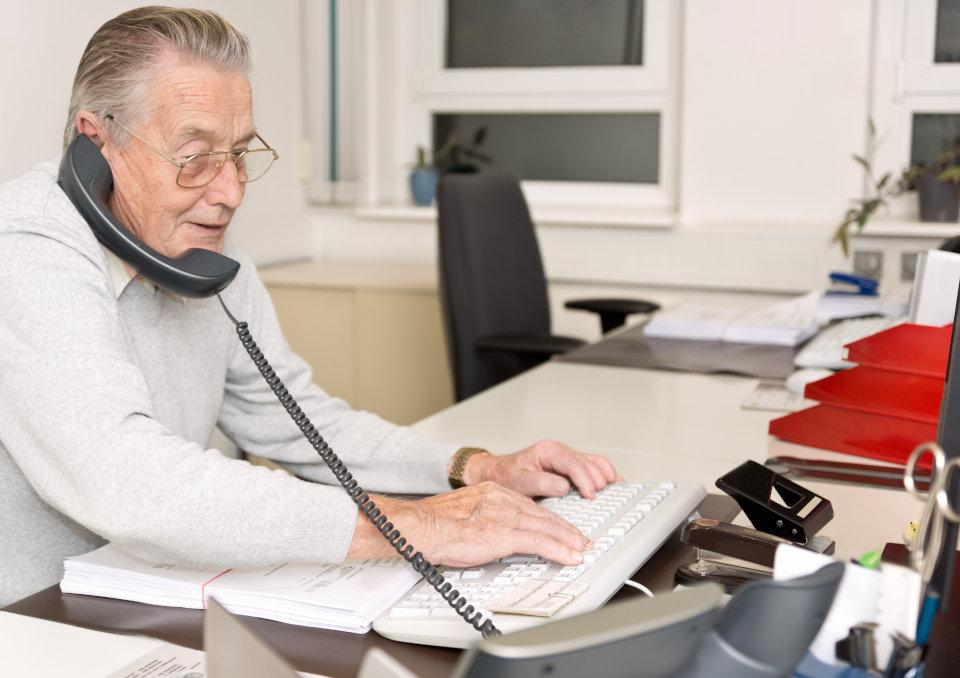 Jesteś na emeryturze? Możesz dalej pracować, ale pilnuj limitu